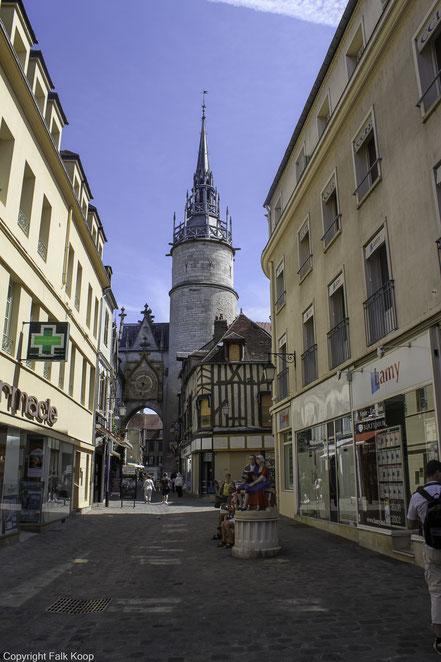 Bild: Tour de l´Horloge in Auxerre