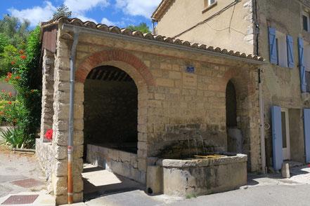Bild: Waschhaus in Savoillan