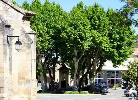 Bild: Fontaine ou Pompe in Robion Vaucluse