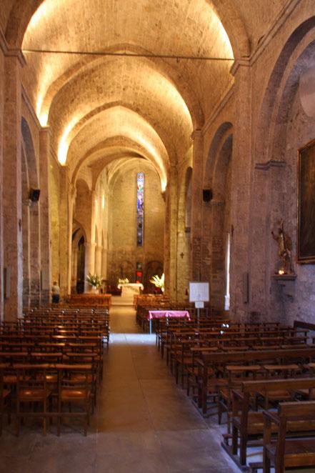 Bild: in der Pfarrkirche von Moustiers-Saint-Marie