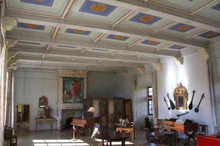 Bild: Musiksaal von Schloss Lourmarin