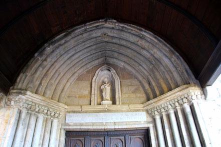 Bild: Portal der Chapelle Notre-Dame-de-Beauvoir