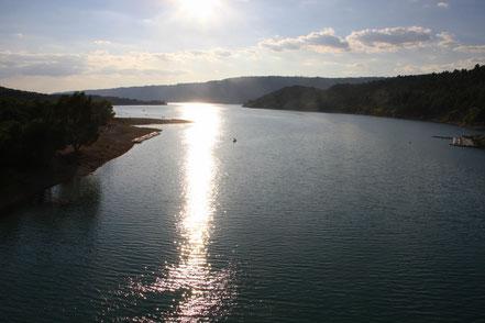 Bild: Lac de Saint Croix im Sonnenuntergang