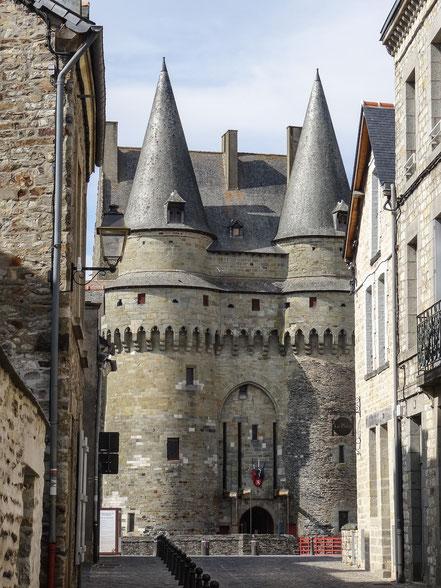 Bild: Eingang zum Château Vitré