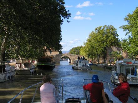 Bild: Mit dem Hausboot auf dem Canal du Midi, in Le Somail