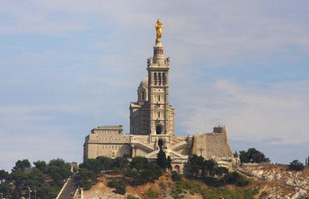 Bild: Blick auf Basilique Notre-Dame-de-la-Garde, Marseille