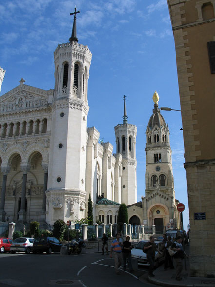 Bild: Basilika Notre Dame de Fourvière mit seitlicher Kapelle in Lyon