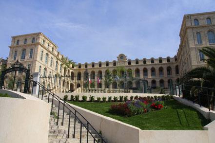 Bild: das ehemalige Hospital Hôtel Dieu in Marseille