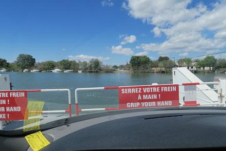 Bild: Autofähre auf der Petit Rhône