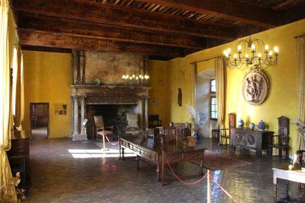 Bild: der Salon von Schloss Lourmarin