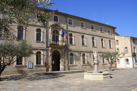 Bild: Hotel de Ville in Monteux