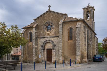 Bild: Vachères mit Église Saint-Sébastien im Département Alpes de Haute Provence