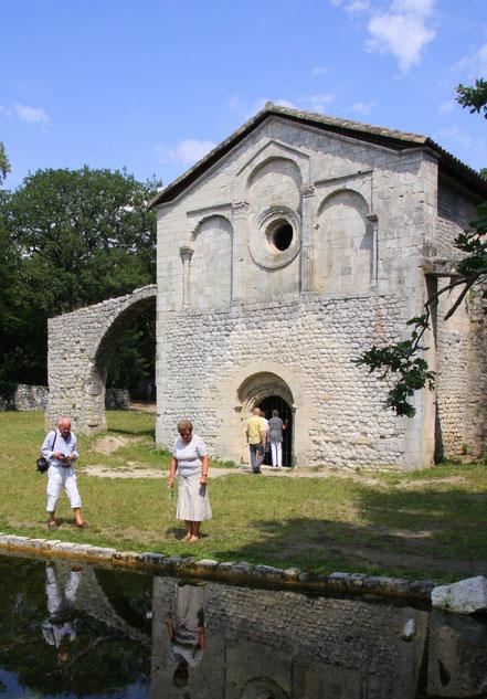 Bild: Chapelle Notre-Dame du Val des Nymphes bei la Garde-Adhémar