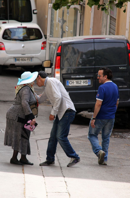 Bild: Menschen in der Provence
