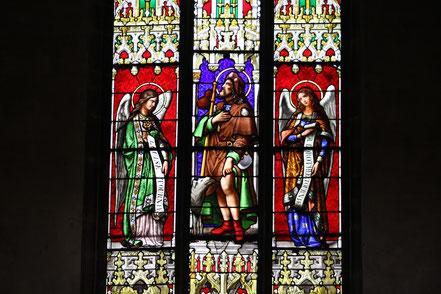 Bild: Kirchenfenster von Notre Dame in Bourg-en-Bresse