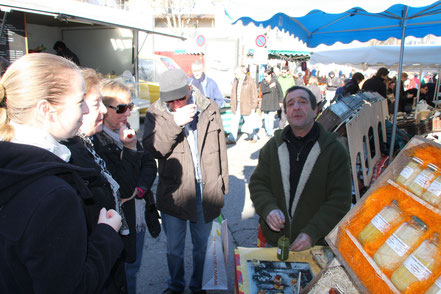 Bild: Markt am Sonntag in L´Isle-sur-la-Sorgue