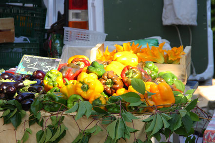 Bild: Markt in Petit Palais