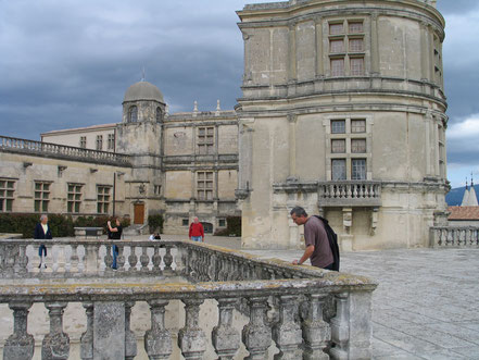 http://www.ville-grignan.fr/Office-de-Tourisme.html