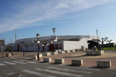 Bild: Stierkampfarena in Saintes-Maries-de-la-Mer