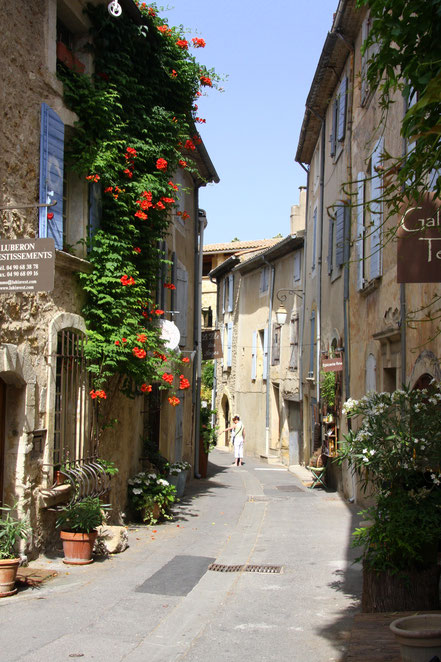 Bild: Straße in Lourmarin