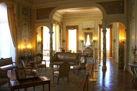 Bild: Villa Île-de-France, heute Musée Ephrussi de Rothschild, hier Salon Lous XVI