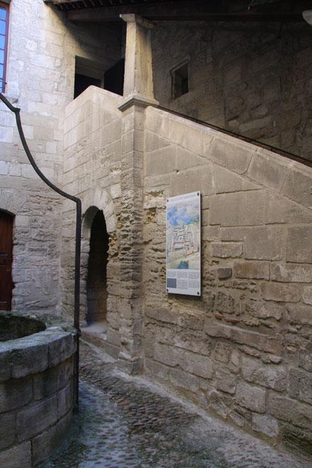 Bild: Eingang zur Sakristei, Chartreuse Pontificale du Val de Bénédiction in Villeneuve-lés-Avignon
