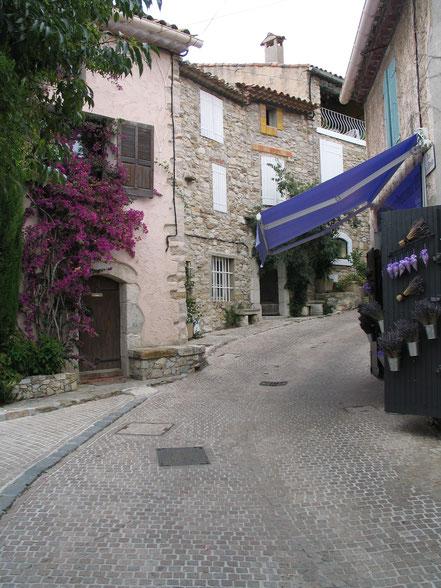 Bild: in den Straßen von Le Castellet