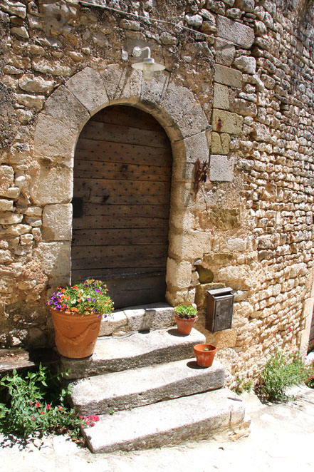 Bild: Türeingang in Simiane-la-Rotonde