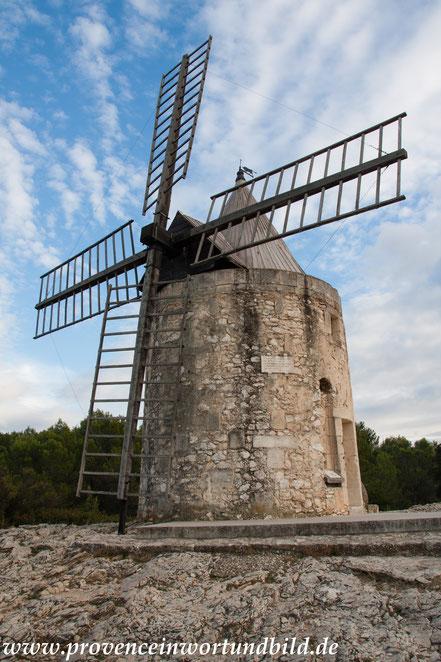 Bild: Fontfieille und Moulin de Daudet - Mühle Daudet