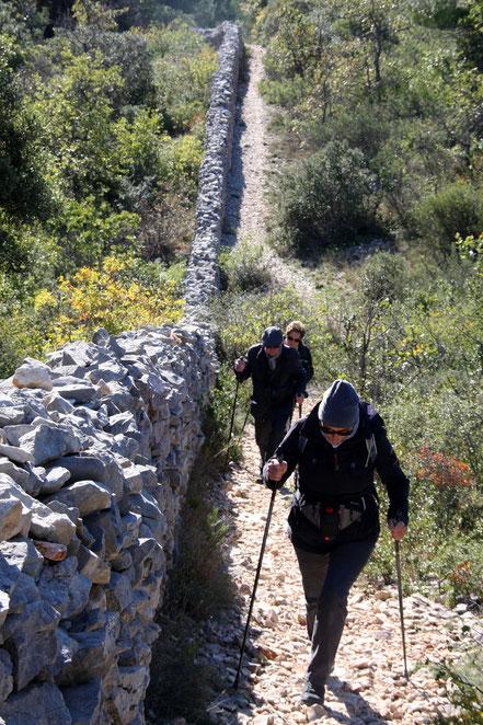 Bild: Mur de la Peste, bei Cabrières d´Avignon