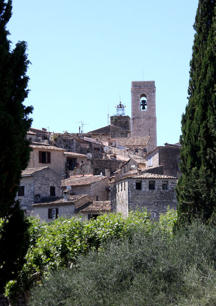 Bild: Blick auf St.-Paul de Vence mit Glockenturm