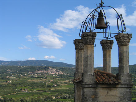 Bild: Glockenturm in Lacoste, Provence