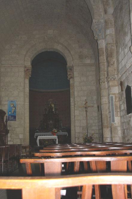 Bild: Innenraum der Église Saint-Christophe de Vianne