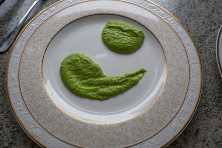 Bild: Rezept Spargelfrikadellen mit Erbsenpüree