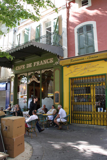 Bild: Cafe de France in L´Isle-sur-la-Sorgue