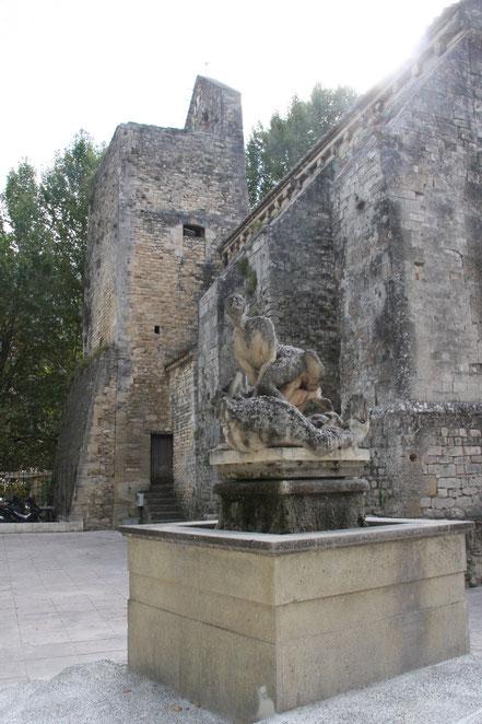 Bild: Kriegsdenkmal in Fontaine de Vaucluse