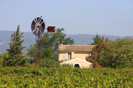 Wasserrad im Ortsteil Coustellet