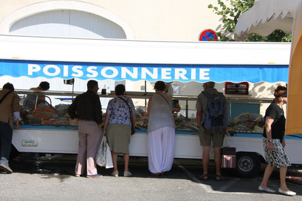 Bild: Markttag in L´Isle-sur-la-Sorgue