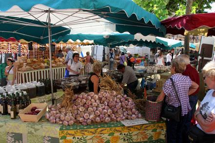 Bild: der Markt am Samstag in Apt