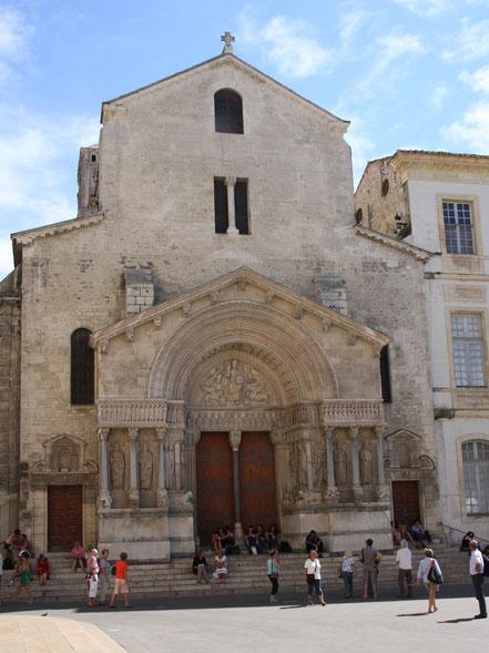 Bild: Portal der Kirche Saint-Trophime