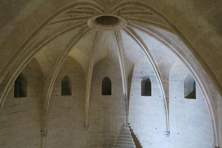 Bild: Im Innern des mehrgeschossigen Tour de Constance im Aigues-Mortes