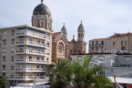 Bild: Blick vom Hafen auf Note Dame-de-la-Victoire