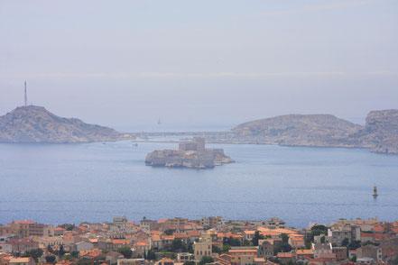 Bild: Blick von der Terrasse der Basilique Notre-Dame-de-la-Garde, Marseille
