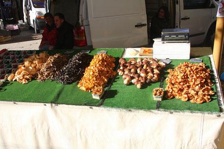 Bild: Markt in Lourmarin