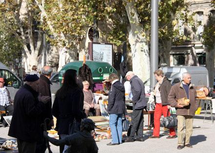 Bild: Markt an der Markhalle, Avignon