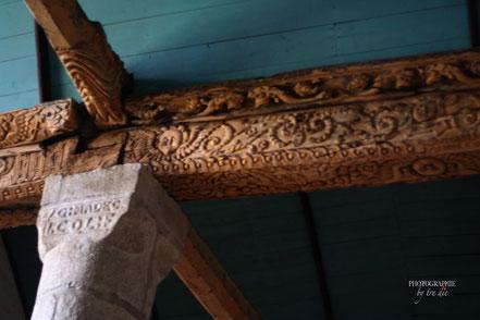 Bild: Dachbalken in der Église Saint-Milau in Guimiliau
