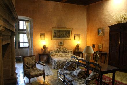 Bild: Schlafzimmer im Schloss Lourmarin