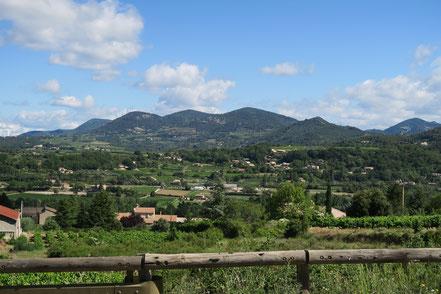 Bild: Landschaft bei Entrechaux