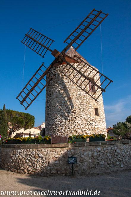 Bild: Allauch mit Windmühle
