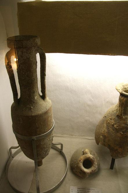 Bild: Behältnisse für Olivenöl